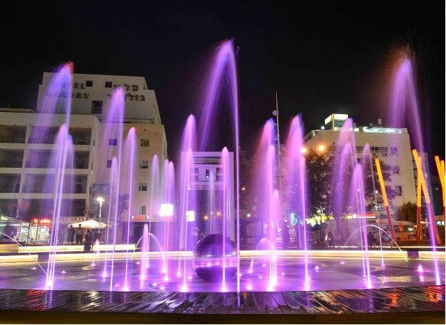 peleg_alkalai_netanya_fountain