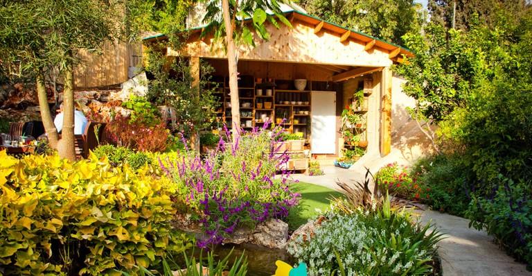 Derech Hagefen, en los límites del Bosque de Jerusalén, está rodeado de jardines. Foto cortesía.