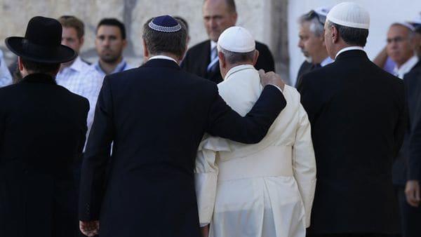 El rabino Abraham Skorka, el papa Francisco y el dirigente musulmán Omar Abboud en Jerusalén