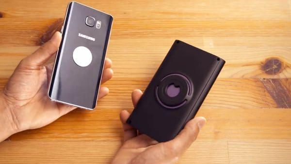 El dispositivo se adhiere al smartphone con simpleza y comienza a trabajar