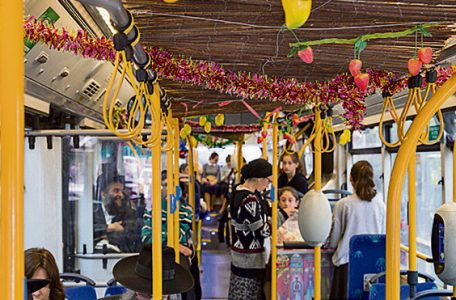 The festive Sukkot bus (Photo: Amit Shabi)