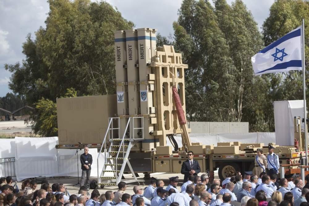 El sistema de defensa de misiles de Honda de David, visto en la Base Aérea de Hatzor, Israel, 2 de abril de 2017. (AP Photo / Sebastian Scheiner)