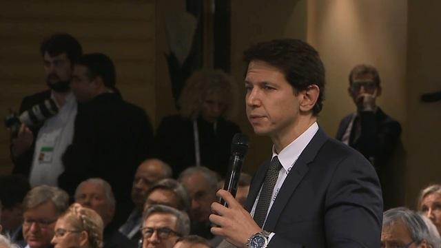 Bergman addresses the Polish prime minister