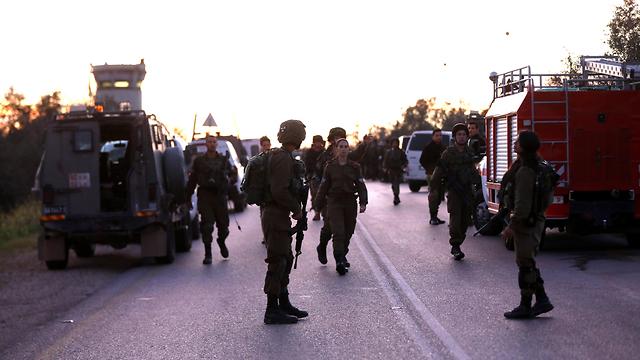 Fuerzas de Tzáhal en la escena del ataque (Foto: EPA)