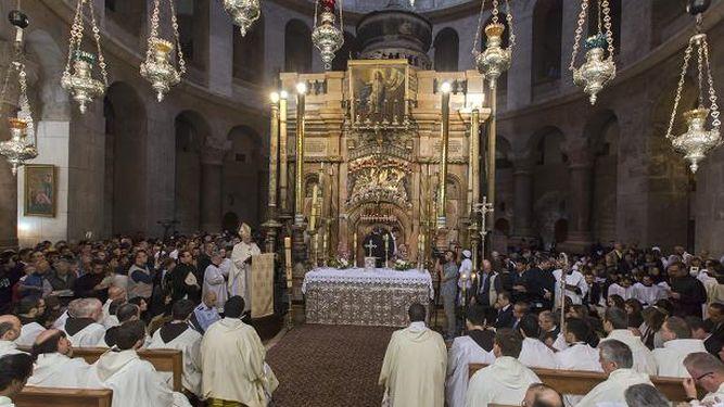 Resultado de imagen de Procesion cristiana patriarcado latino de Jerusalen