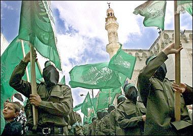 hamas-march-w-flag-4-23-04